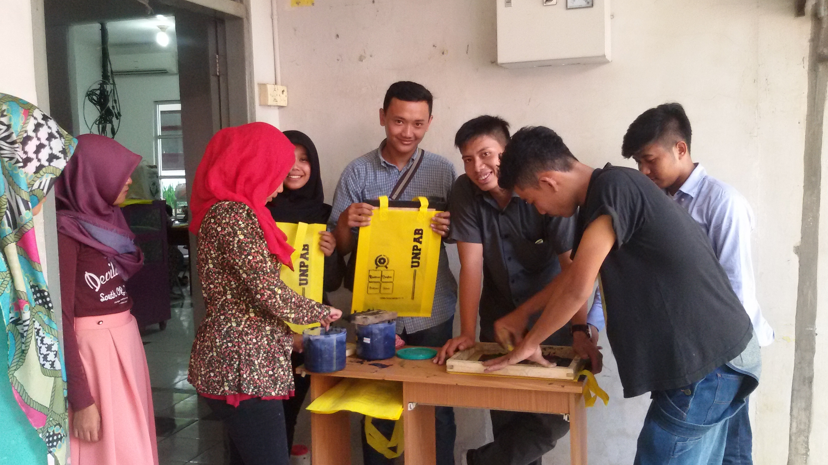 goody-bag-made-in-ukm-center-unpab_37.jpg